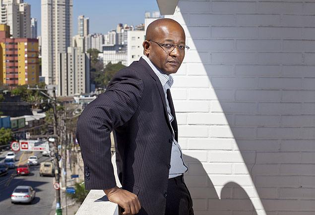 Fabiano Moreira, dono da Unika Logistica, comecou como motoboy e hoje é empresário